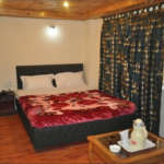 Dreamland-Darjeeling-Bed-Room